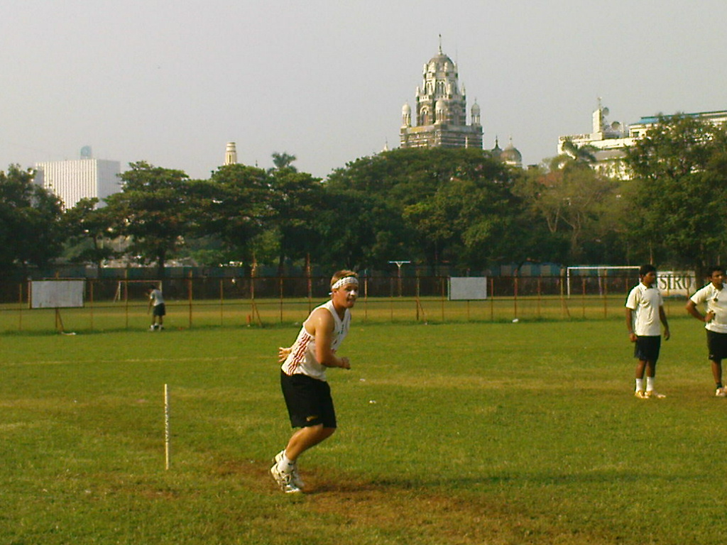 Alex Reese plays cricket in India